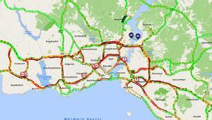 İstanbulda iş çıkışı trafik kilitlendi