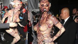 Beklenen an geldi Heidi Klum cadılar bayramı kostümü ile damga vurdu