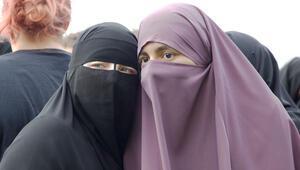 İtalya'da burka ve peçe yasağına itiraz reddedildi