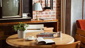 Kahve-Kitap Birlikteliğinin Ayrıcalıklı Hali:  Books and Coffee