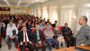 Meslek liselilere Bilim ve teknoloji semineri