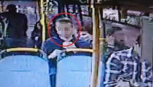 Halk otobüsünde iğrenç olay Durakta yakalandı...