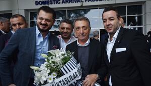 Beşiktaş kafilesi çiçeklerle karşılandı