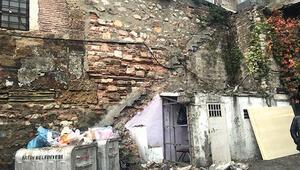 Merdivenler yıkıldı