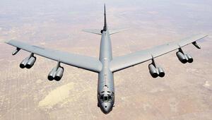 Amerikan B-52'si Rum Kesimi'nden geçti