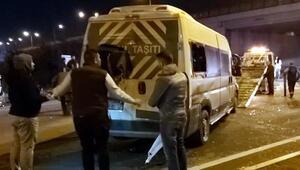 İşçi servis minibüsü ile otomobil çarpıştı: 8 yaralı
