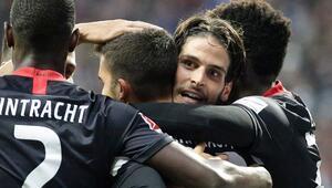 Eintracht Frankfurt, Bayern Münihi farklı yendi