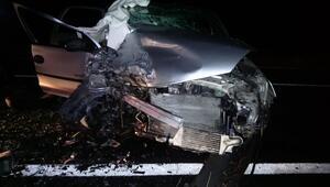 Römorka çarpan araç ticari araçla çarpıştı: Ölü ve yaralılar var