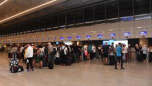 Yolcuları Antalyada kalmıştı İflas eden markayı satın alacak