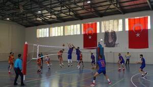 Adıyaman Gölbaşı Lisesi –Erzin Yeşilkent Spor voleybol karşılaşması