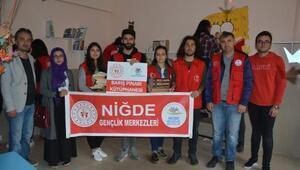 Köy okuluna Barış Pınarı kütüphanesi kuruldu