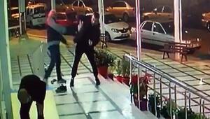 Yaşlı adama cami çıkışı kiracısı saldırdı