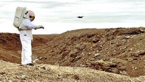 Astronotlara akıllı eldiven