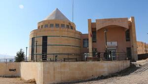 3 bin 300 nüfuslu Hasankeyfe 12 bin kitaplık kütüphane