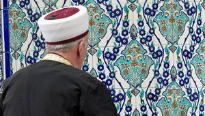 Almanya yabancı imamlara dil şartı getirmeyi planlıyor