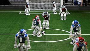 Robot futbolcular, insan rakipleriyle karşı karşıya gelecek