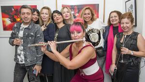Londra'da açılan karma sergi Türk ve yabancı ressamları buluşturdu