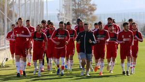 Sivasspor Konyasporu gözüne kestirdi