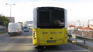 Pendikte İETT otobüsünden akan yağ zincirlemeye kazaya neden oldu