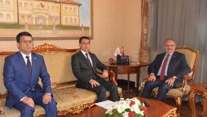 Türkmenistan büyükelçisinden Vali Karaloğluna ziyaret