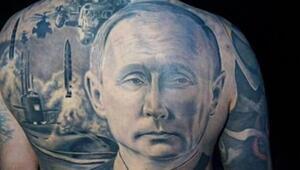Sırtına dev Putin dövmesi yaptırdı