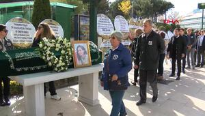 İtalyada ölen genç kız İstanbulda toprağa verildi