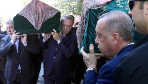 Cumhurbaşkanı Erdoğan, Akbaşoğlunun annesinin cenazesine katıldı