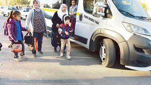 Aksaray ilk değil: 12 yaşında 8 okul... Otizmli annesi yaşadıklarını Hürriyet'e anlattı
