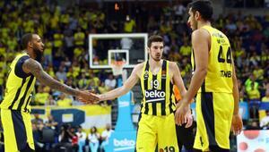 Fenerbahçe Bayerni devirdi, hayata döndü