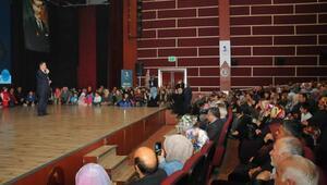 Akşehirde ilahiyatçı Mustafa Karataş'a yoğun ilgi