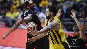 Basketbolda derbi maçta gülen taraf Fenerbahçe