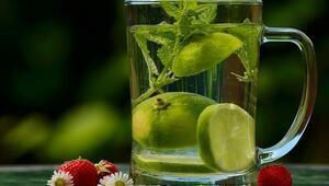 Vücuttaki ödemi atıyor Limon suyuyla beraber…