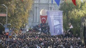 Dolmabahçe Sarayında 10 Kasımda ziyaretçi rekoru kırıldı
