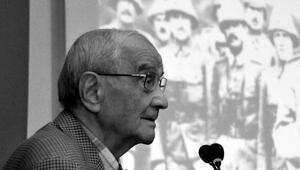 Mümtaz Soysal kimdir Eski Dışişleri Bakanı Prof. Dr. Mümtaz Soysalın biyografisi