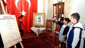 Atatürkün eşyaları Latife Hanım Köşkünde sergileniyor
