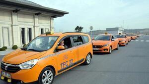 Büyükelçi Bağışı Praga taksiciler uğurladı