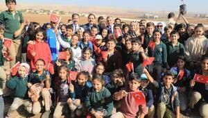 Şanlıurfa'da 3 saatte 287 bin fidan dikildi