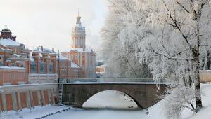 Rusya'nın beyaz geceli şehrinde yeni yılda bembeyaz bir sayfa açın