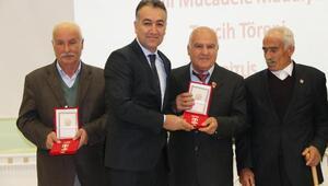 Kıbrıs gazilerine Milli Mücadele madalyaları verildi