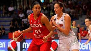 A Milli Kadın Basketbol Takımında Kiah Stokes, kadrodan çıkartıldı