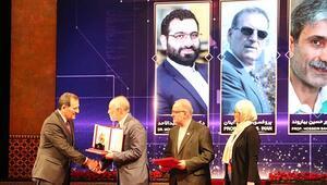 İranda 2 Türk bilim insanına ödül verildi