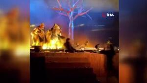 Suudi Arabistanda 3 sanatçı sahnede bıçakla yaralandı