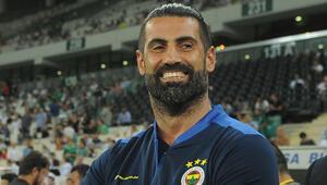 Futbol dünyasının yıldızlarından tıp öğrencilerine burs Volkan Demirel...