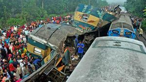 Bangladeşte iki tren çarpıştı: 16 ölü, 48 yaralı