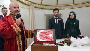 Kocasinan Belediyesinden evlenen çiftlere nikah seti