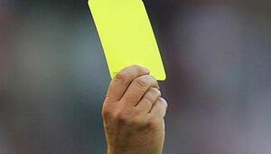 Futbol sahalarında bir ilk… Sağlık görevlisi sarı kart gördü
