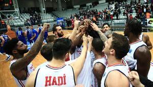 Basketbol Arena | Bahçeşehir Koleji yüksekten uçuyor