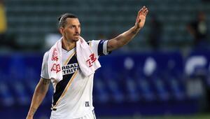 Zlatan Ibrahimovic: Beyzbol izlemeye geri dönebilirsiniz...