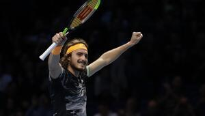 ATP Finalleri | Tsitsipas, Zverevi yendi ve yarı finali garantiledi