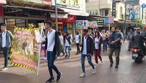 Sağlık çalışanları KOAHa dikkat çekmek için yürüdü
